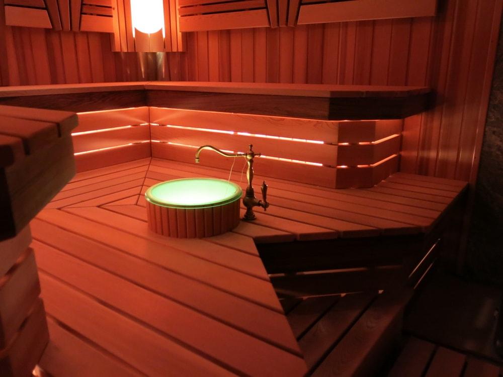 строим финские бани